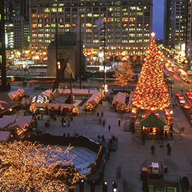 Christmas Tree Downtown Chicago.Chicago Holiday Guide Christmas Hanukkah In Chicago